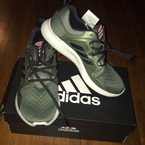 Adidas- edgebounce